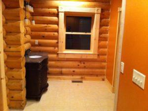 Log Home Bathroom 3