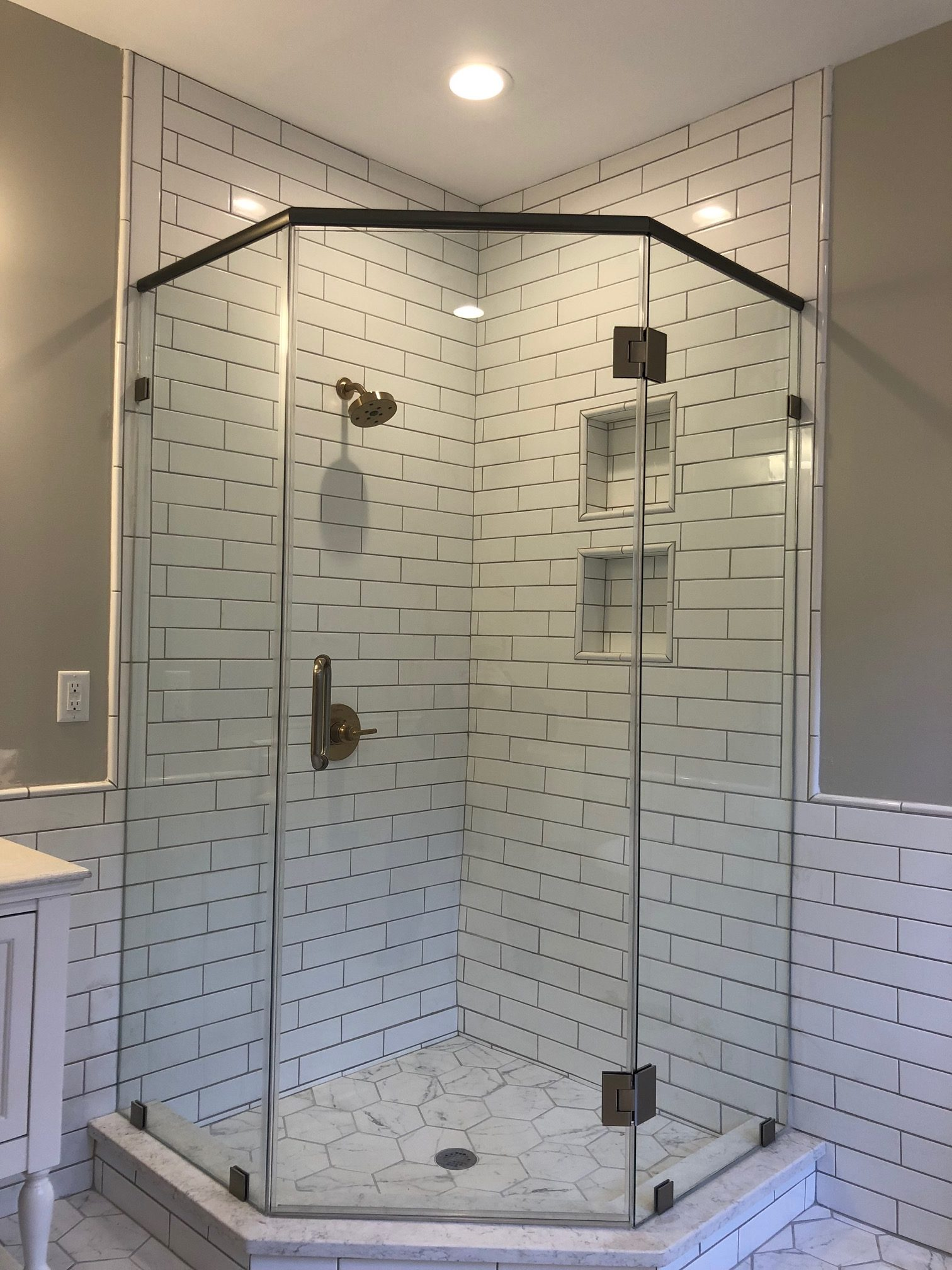 Carr St Tile shower